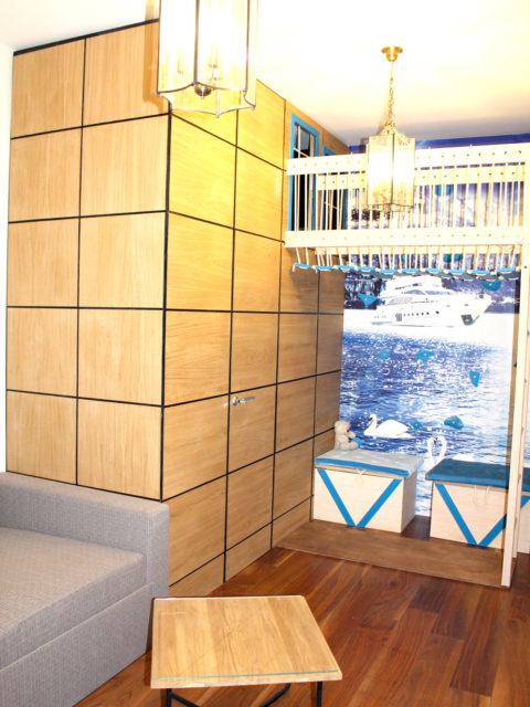 Игровая комната и стена скалодром